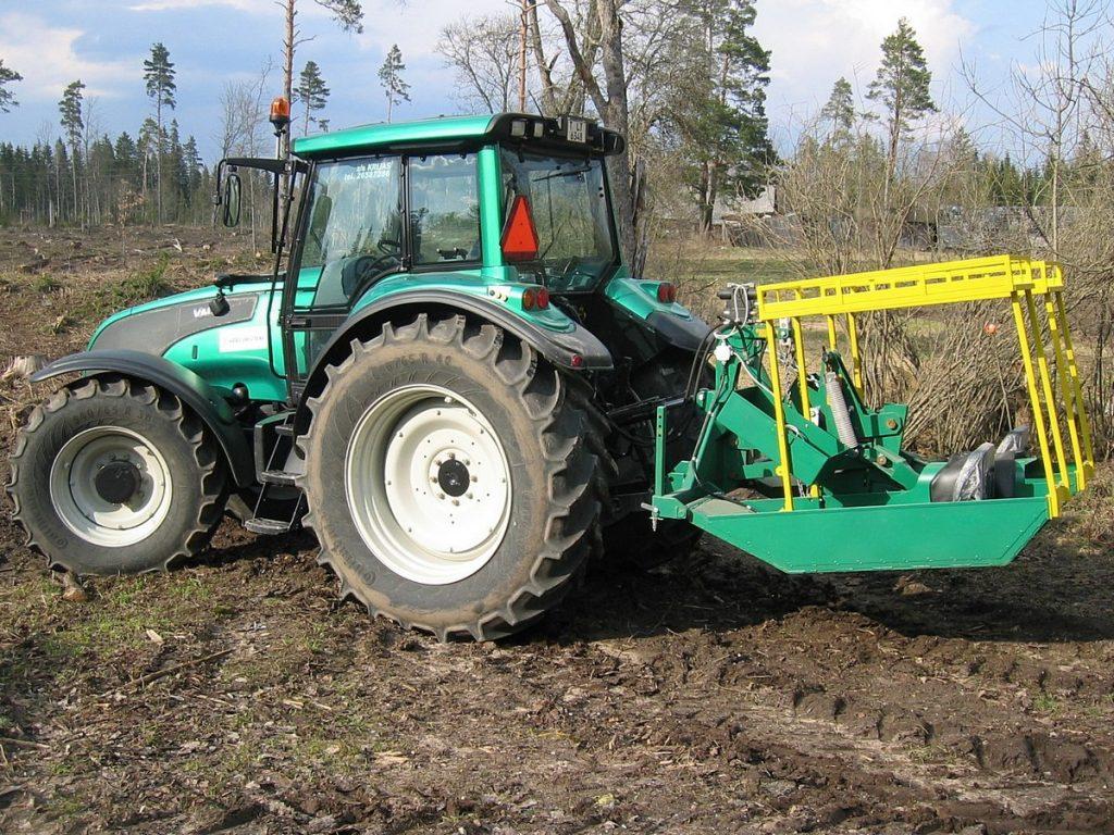 Rýhový zalesňovací stroj